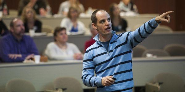 Michael Wesch teaching students